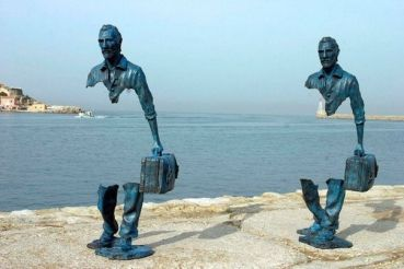 Traveller sculpture Bruno Catalano